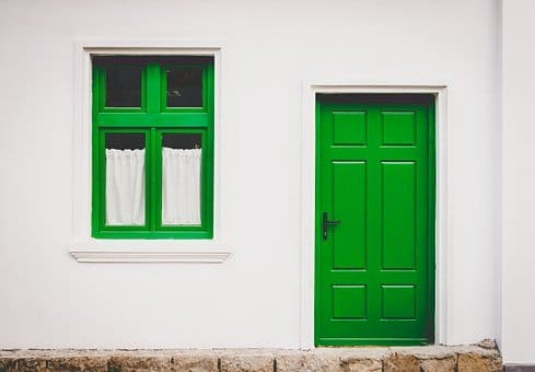 puerta en kaqchikel y español