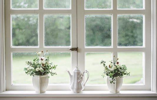 ventana en kaqchikel y español